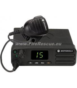 DM4400e DIGITAL MOBILFUNGERAT RADIO